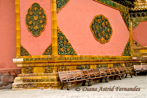 China-Decorative-wall-with-benches-Forbidden-City