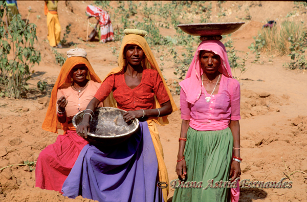 India-women-earth-movers-Rajasthan